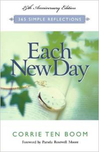 Each New Day 365 Simple Reflections 25th Ann Edition